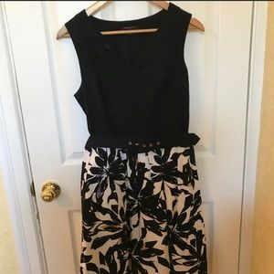 Dresses & Skirts - Banana Republic dress size 10